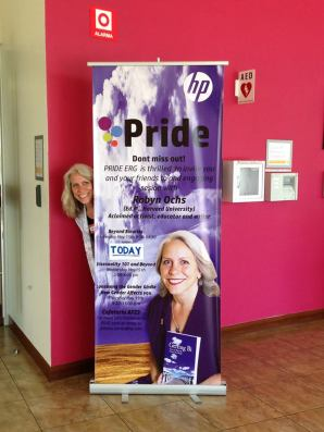 Robyn Speaking at HP in San José, Costa Rica