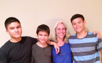 Robyn w/Nicky, Alex & Matthew, her nephews