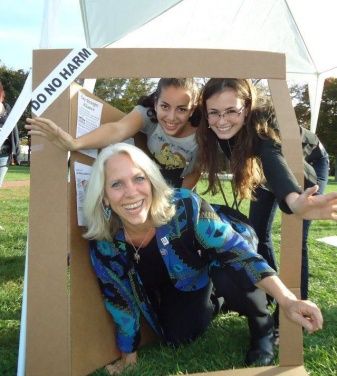Robyn and Students at National Coming Out Day
