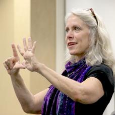Robyn Leading a Workshop